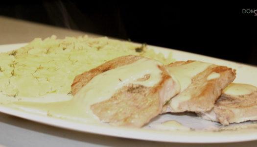 Schab w sosie z sera camembert